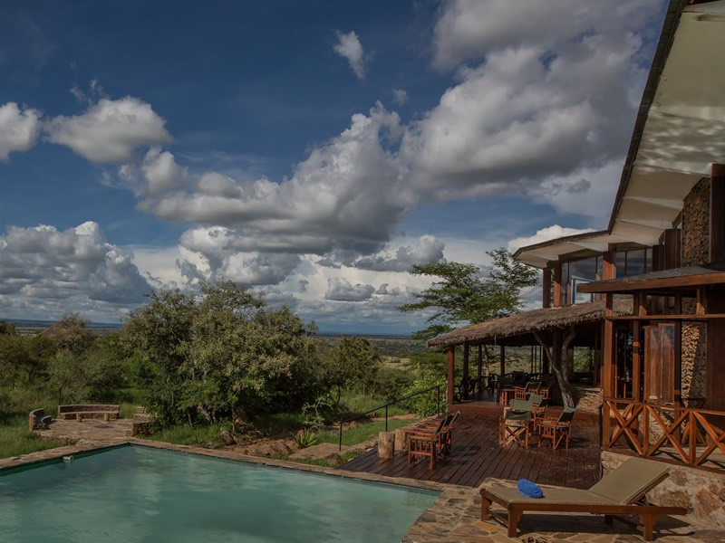 Serengeti Simba Lodge Pool Side
