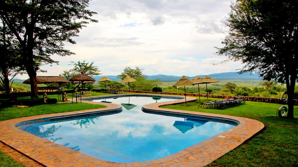Serengeti Sopa Lodge outside pool