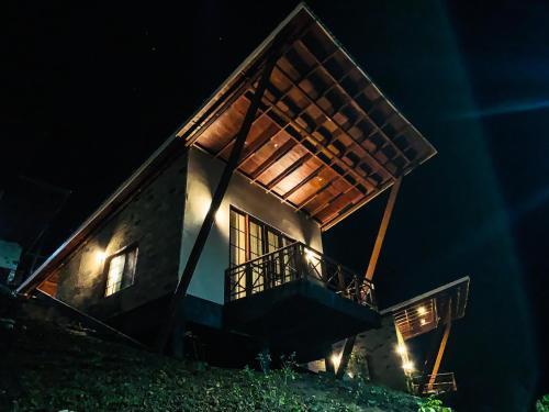 Gorilla Heights Lodge